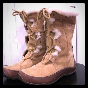 North Face suede fur boots 8